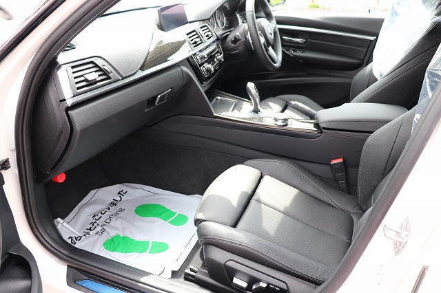 330e iパフォーマンス Mスポーツ ブラックレザーシート タッチパネルナビ車両画像11