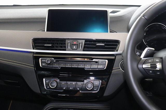 X2 xDrive 20i Mスポーツ X デビューパッケージ ワンオーナー車両画像09