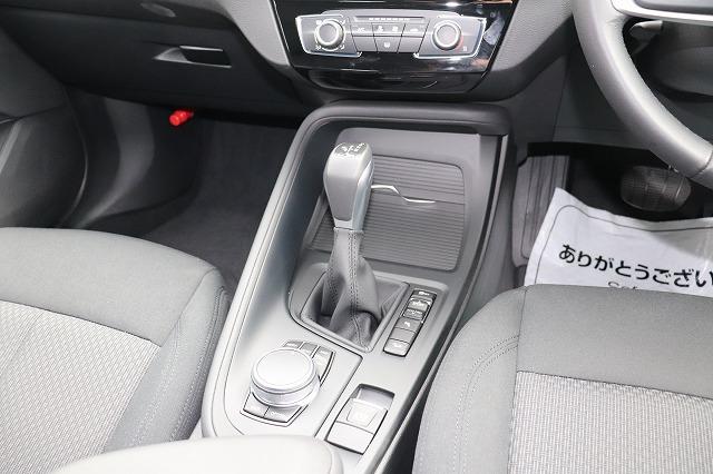 X1  xDrive18d コンフォートアクセス HDDナビ バックカメラ 車両画像09