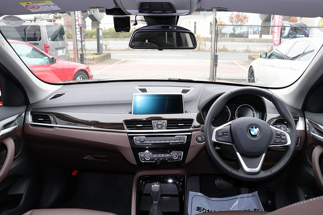 X1 xDrive18d Xライン ブラウンレザー コンフォートアクセス パワーゲート車両画像10