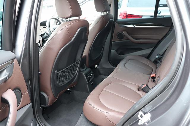 X1 xDrive18d Xライン ブラウンレザー コンフォートアクセス パワーゲート車両画像14