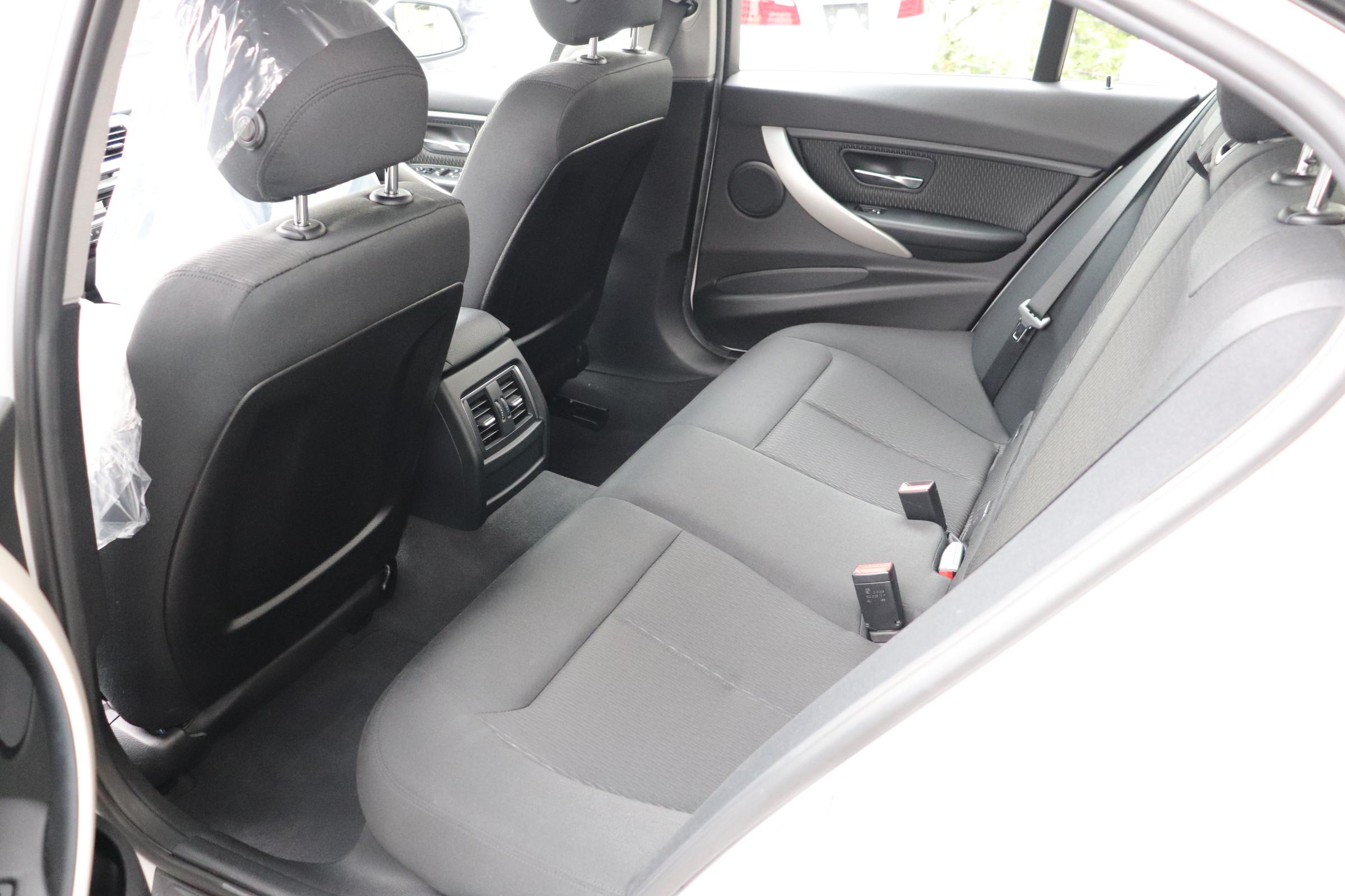 320i LCI BEAMコンプリートカー LEDヘッドライト インテリジェントセーフティー 車両画像14