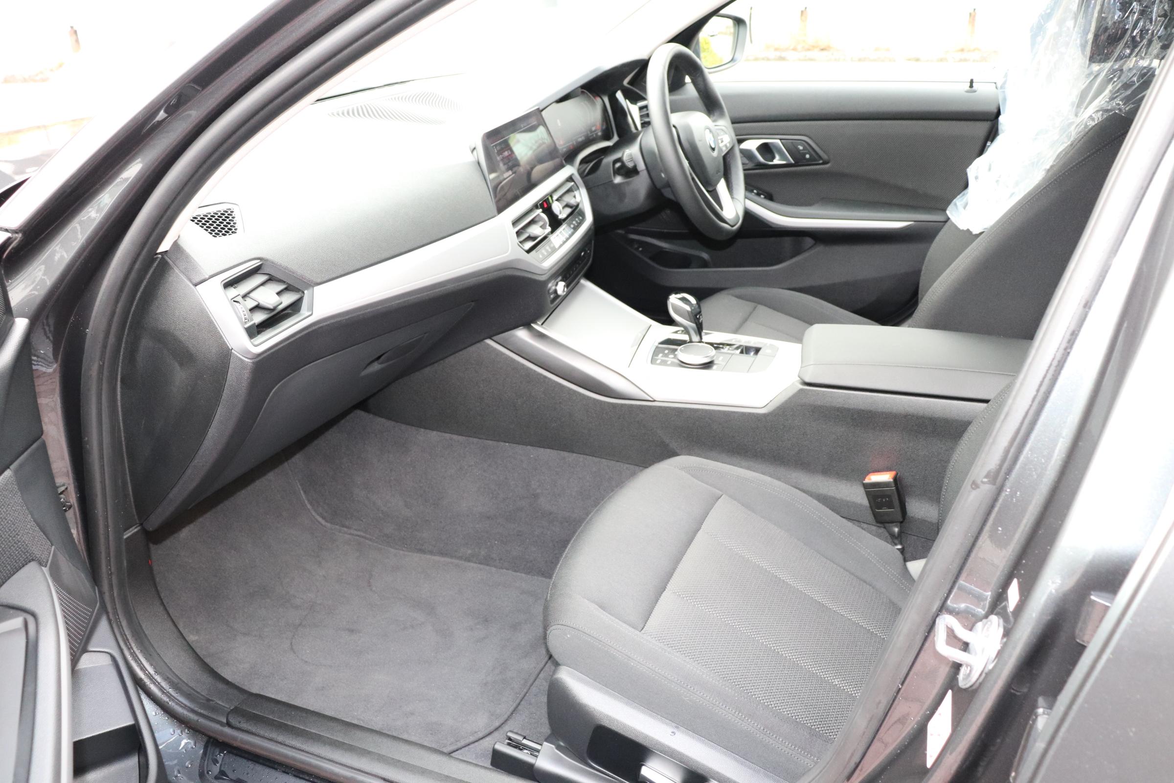 320i BEAMコンプリートカー コンフォートP シートヒーター リバースアシスト ACC車両画像13