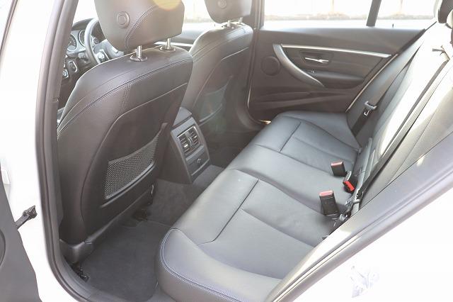 330e Mスポーツ エディションシャドー 19インチAW パドルシフト車両画像12