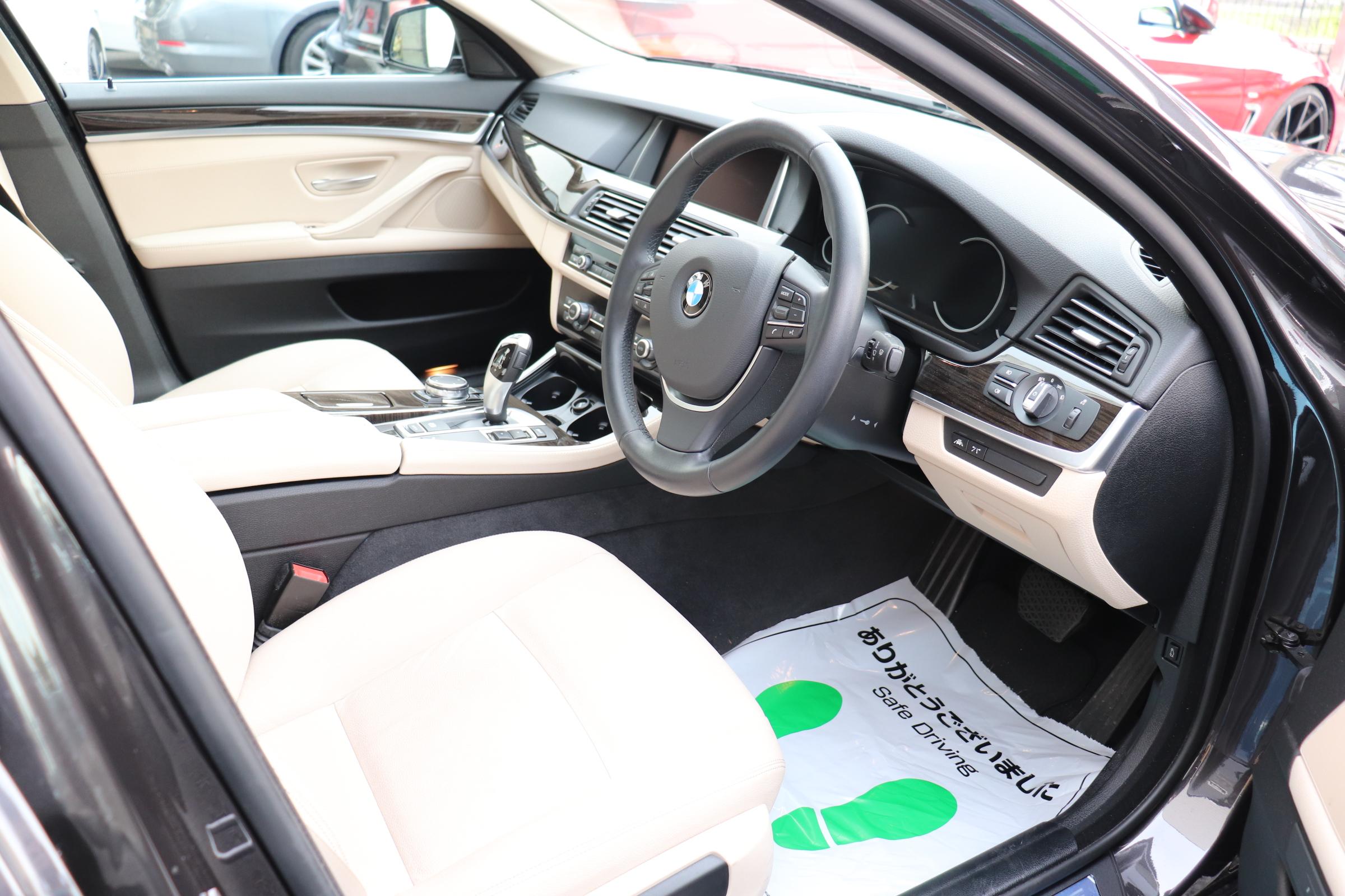 528i ラグジュアリー LEDヘッドライト マルチディスプレイメーター ワンオーナー車両画像11