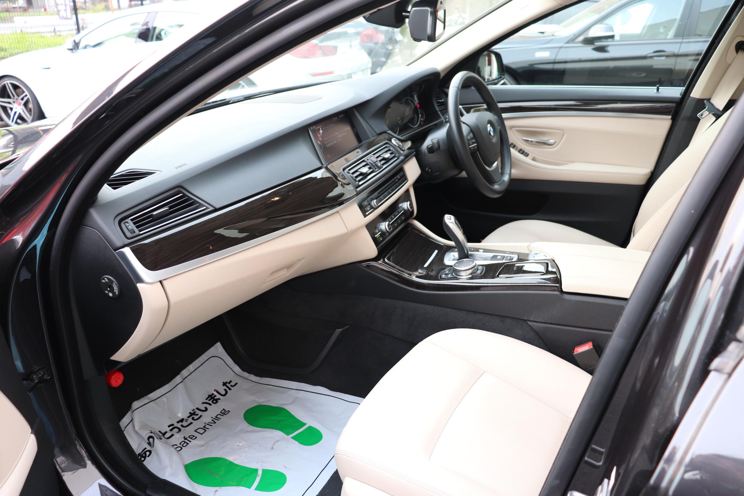 528i ラグジュアリー LEDヘッドライト マルチディスプレイメーター ワンオーナー車両画像13