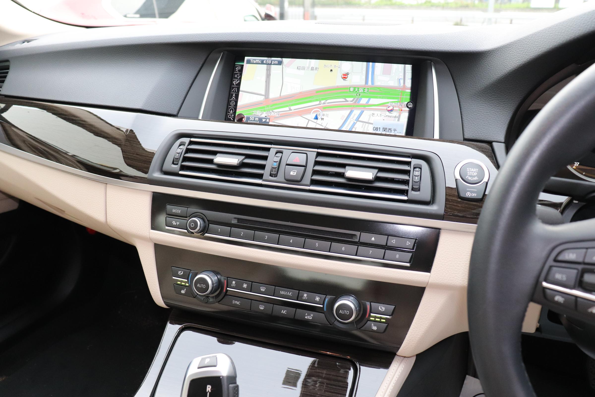 528i ラグジュアリー LEDヘッドライト マルチディスプレイメーター ワンオーナー車両画像10