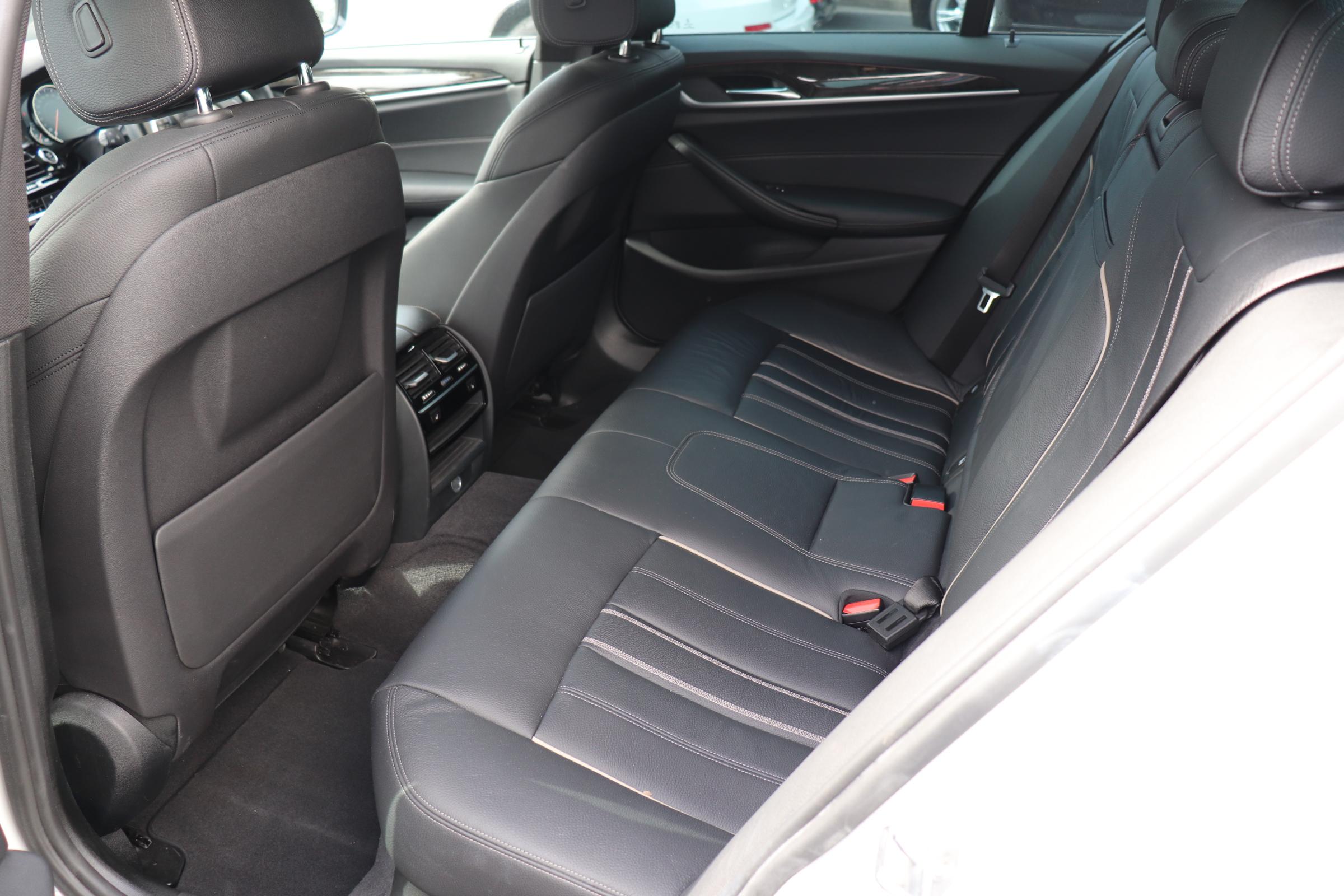 523d Mスポーツ ハイライン ワンオーナー ブラックレザー車両画像14