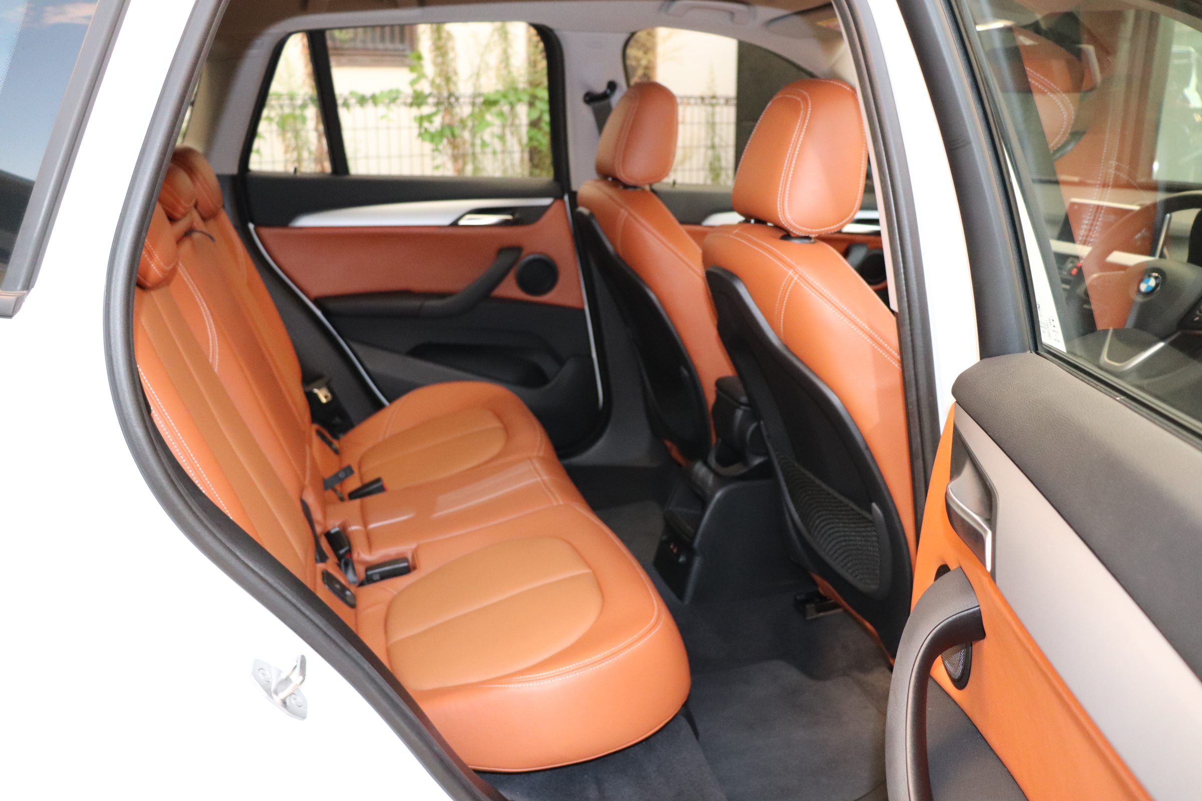 X1  xDrive18d コンフォートA ブラウンレザー 全席シートヒーター車両画像12