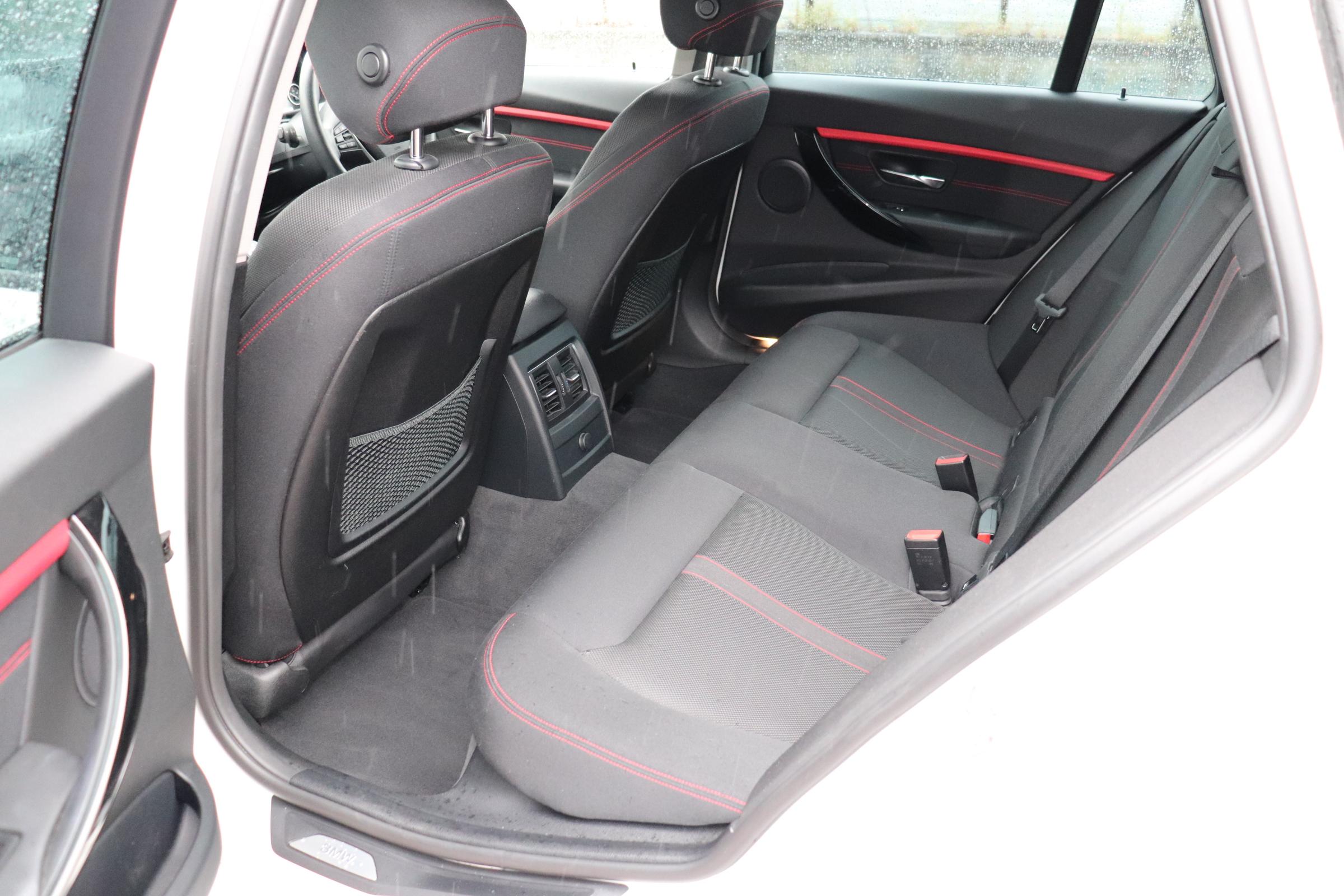 320d LCI スポーツ  BEAMコンプリートカー パドルシフト ブラックグリル オートリアゲート車両画像14