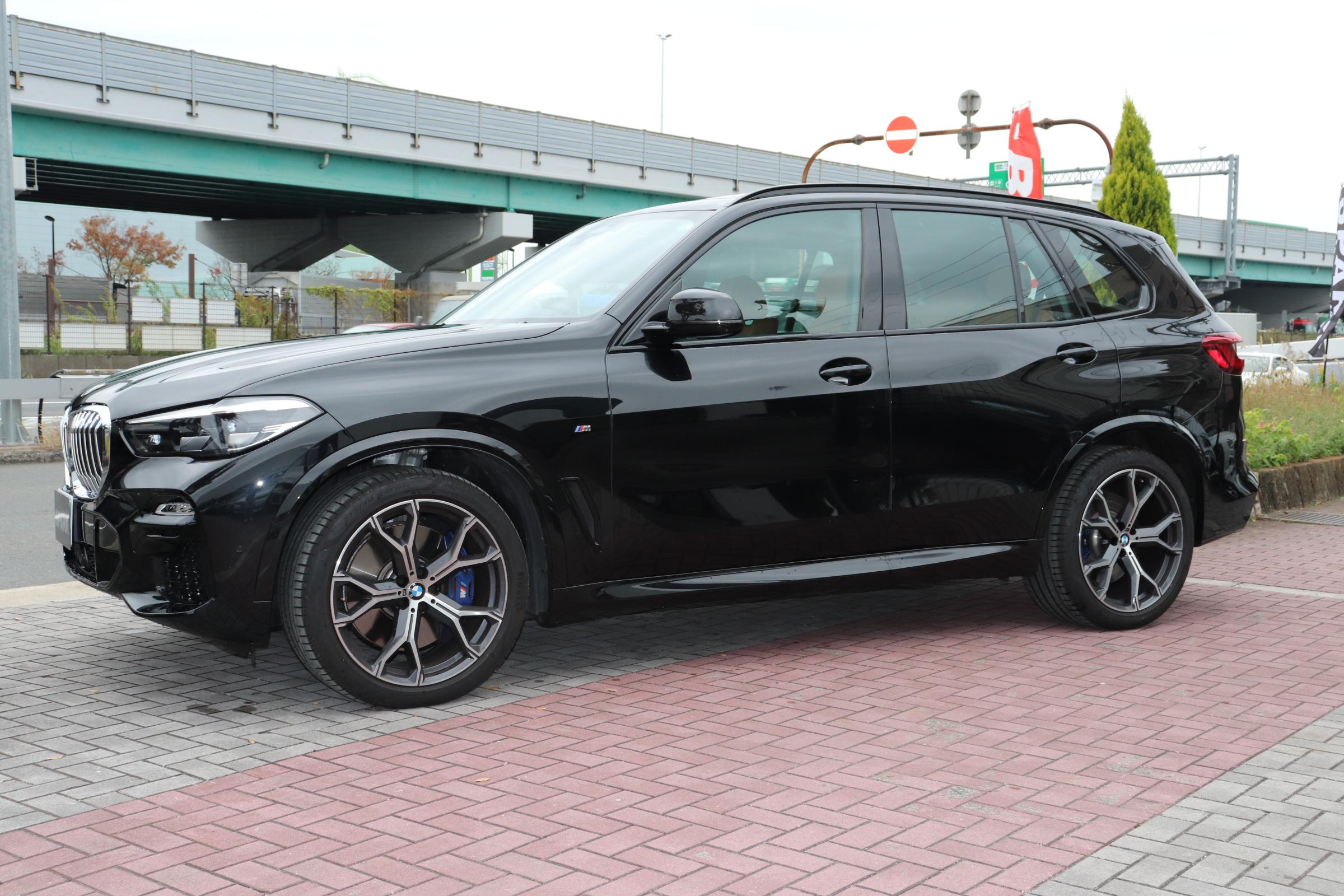 X5 xDrive 35d Mスポーツ ドライビングダイナミクスパッケージ エアサス サンルーフ 21インチAW車両画像07