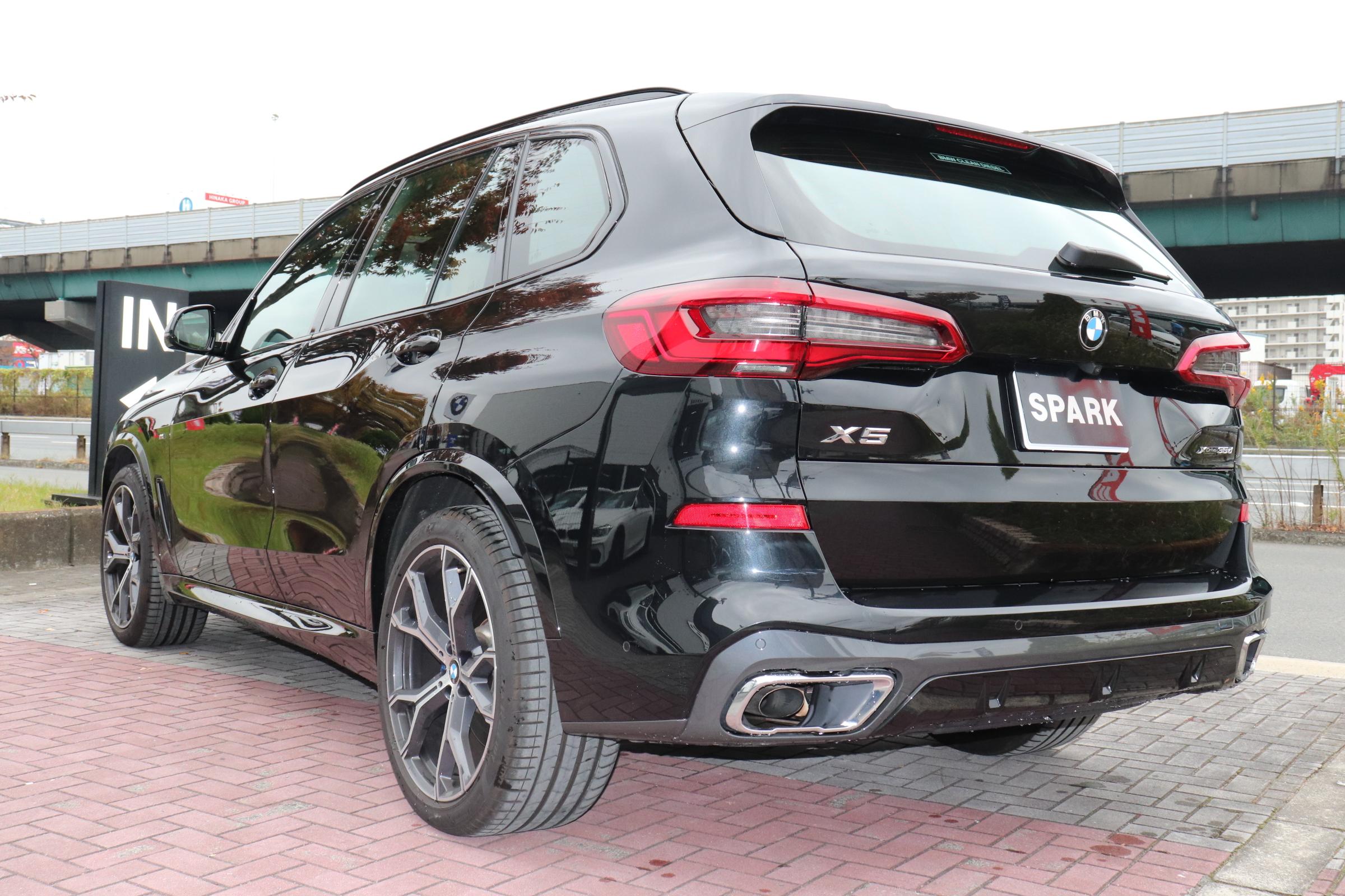 X5 xDrive 35d Mスポーツ ドライビングダイナミクスパッケージ エアサス サンルーフ 21インチAW車両画像06