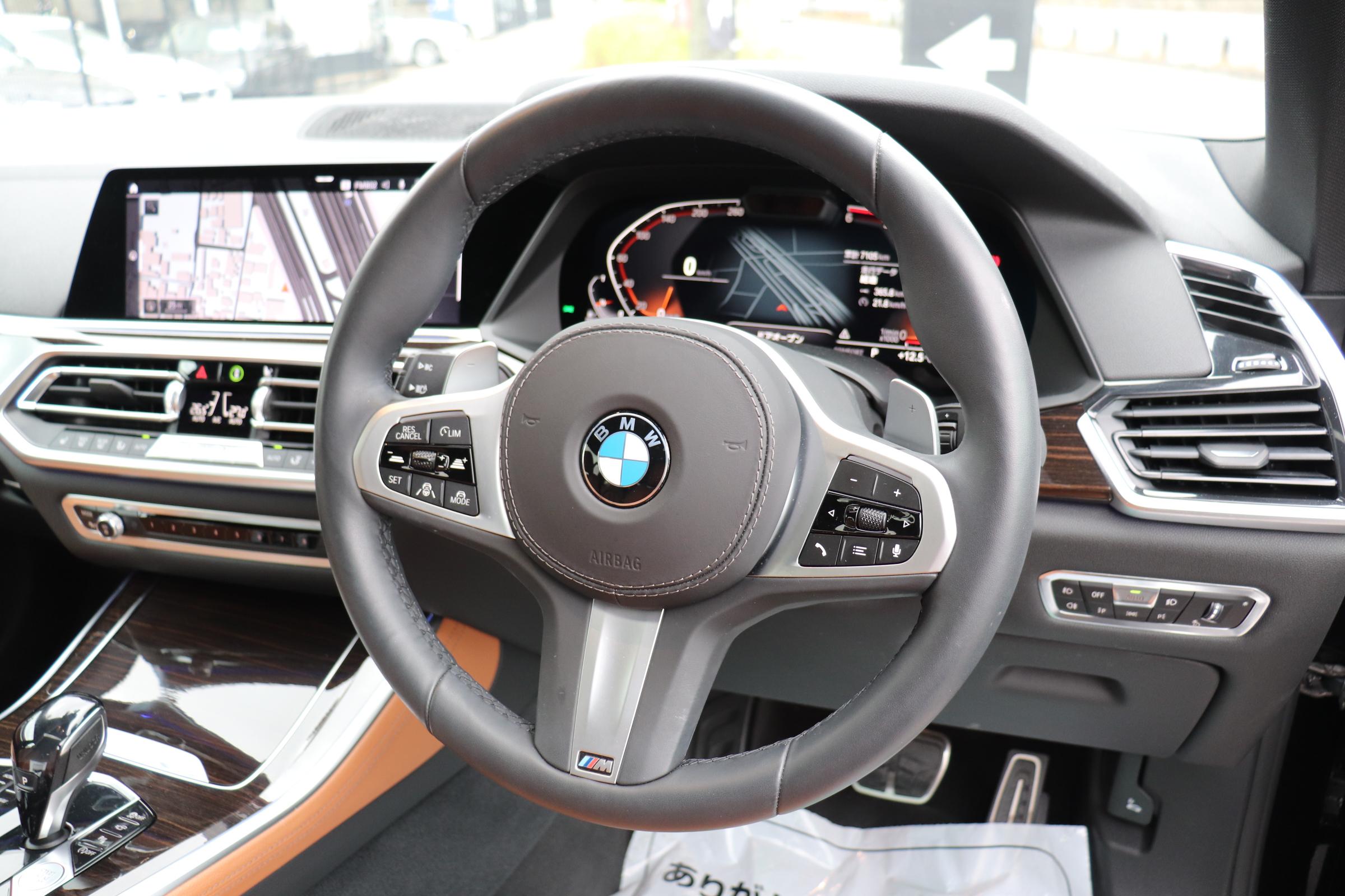 X5 xDrive 35d Mスポーツ ドライビングダイナミクスパッケージ エアサス サンルーフ 21インチAW車両画像11