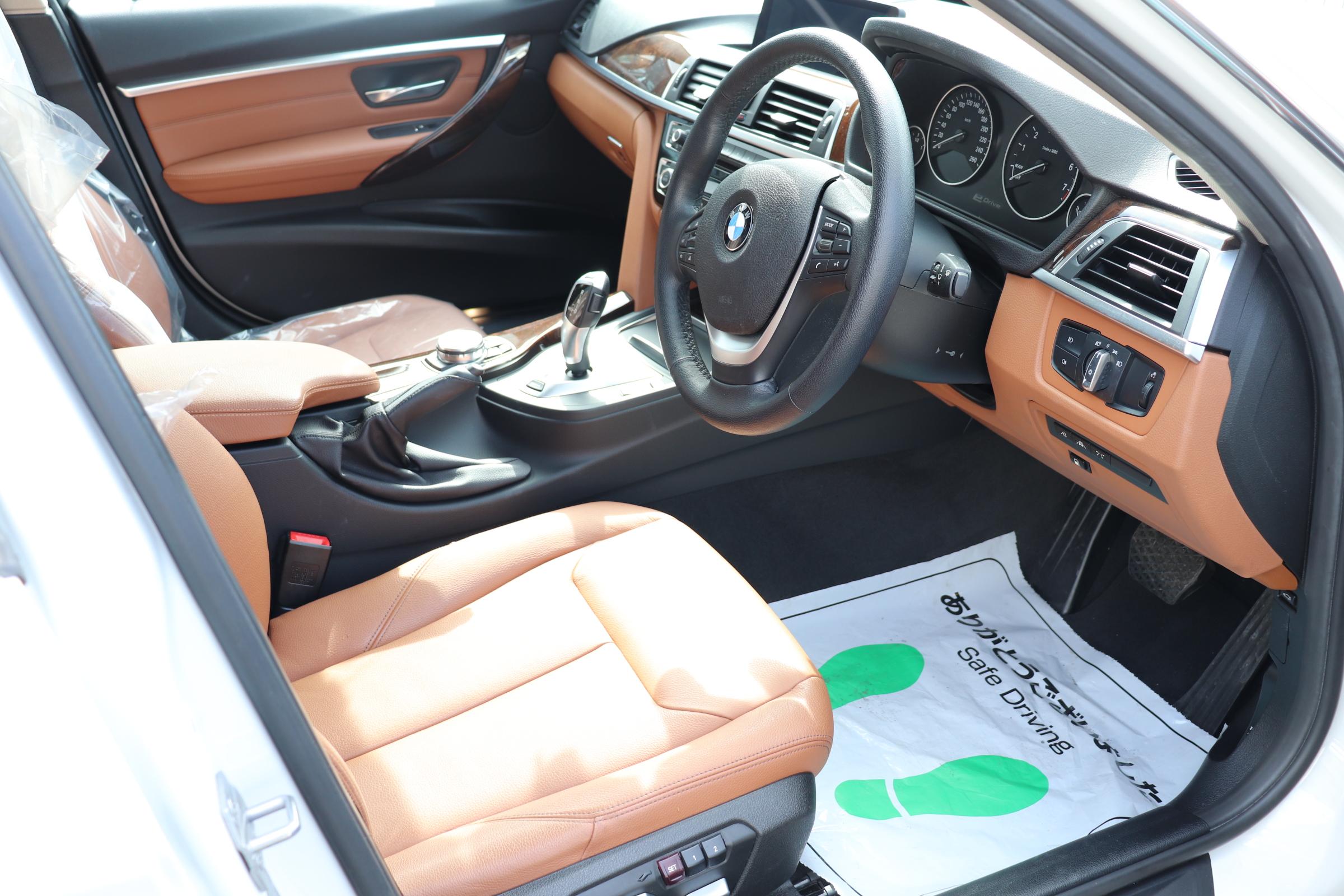 330eラグジュアリー BEAMコンプリートカー ブラウンレザーシート シートヒーター車両画像11