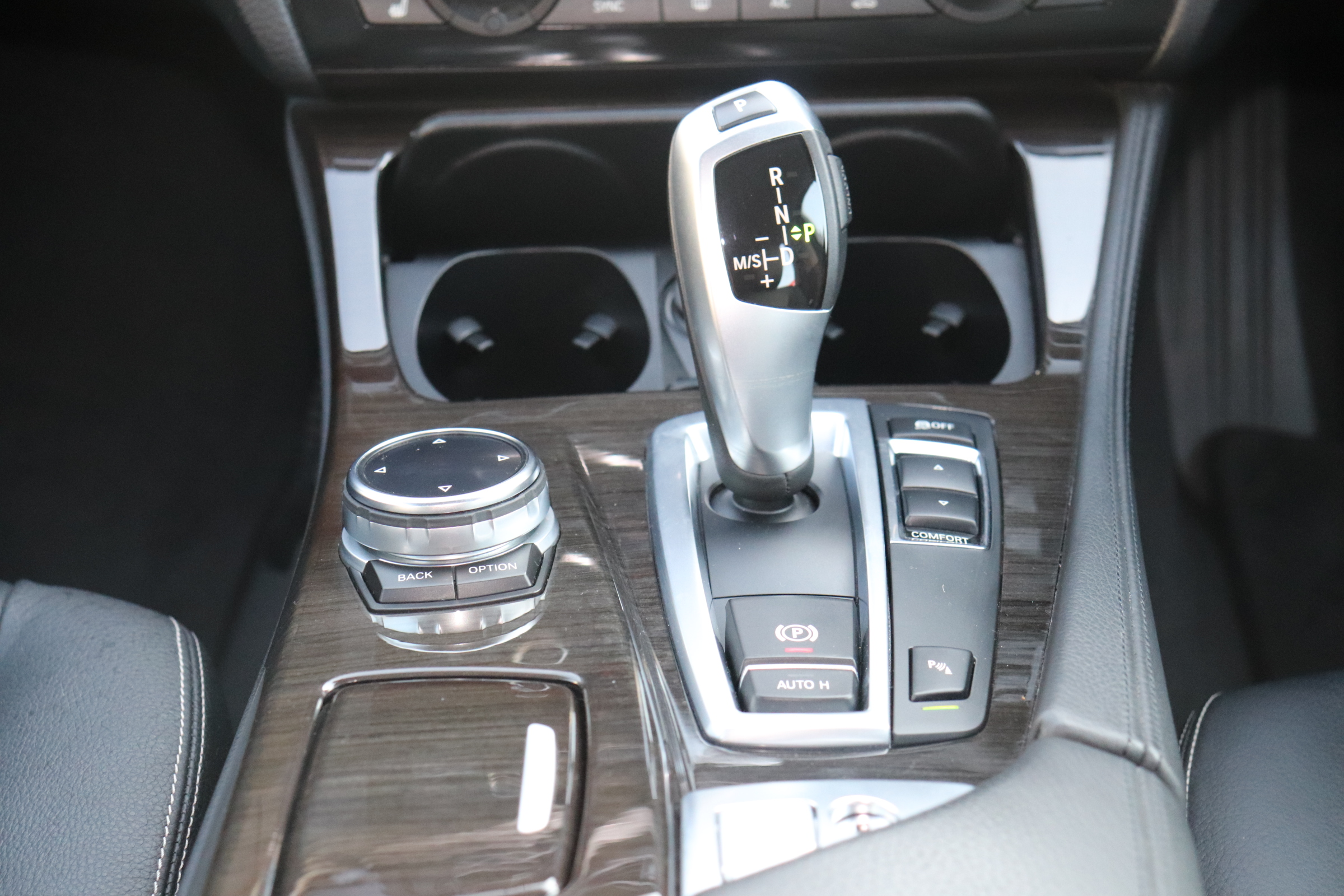 528i ラグジュアリー BEAMコンプリートカー ブラックレザーシート 2000ccターボ車両画像14