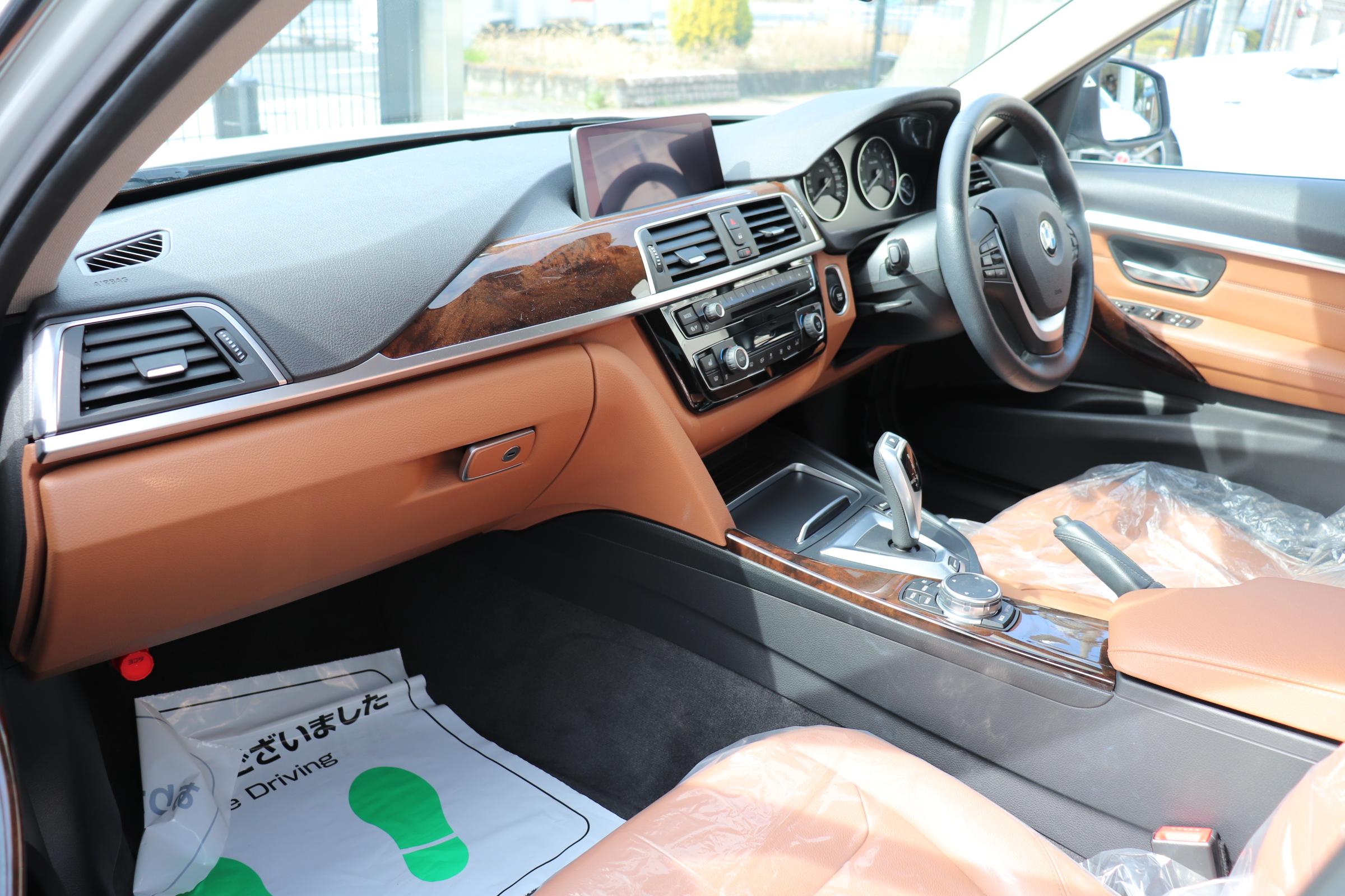 330eラグジュアリー BEAMコンプリートカー ブラウンレザーシート シートヒーター車両画像13