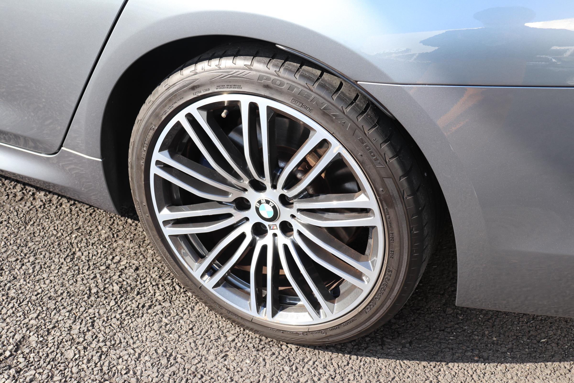 530i Mスポーツ ブラックレザー コンフォート&イノベーションパッケージ車両画像15