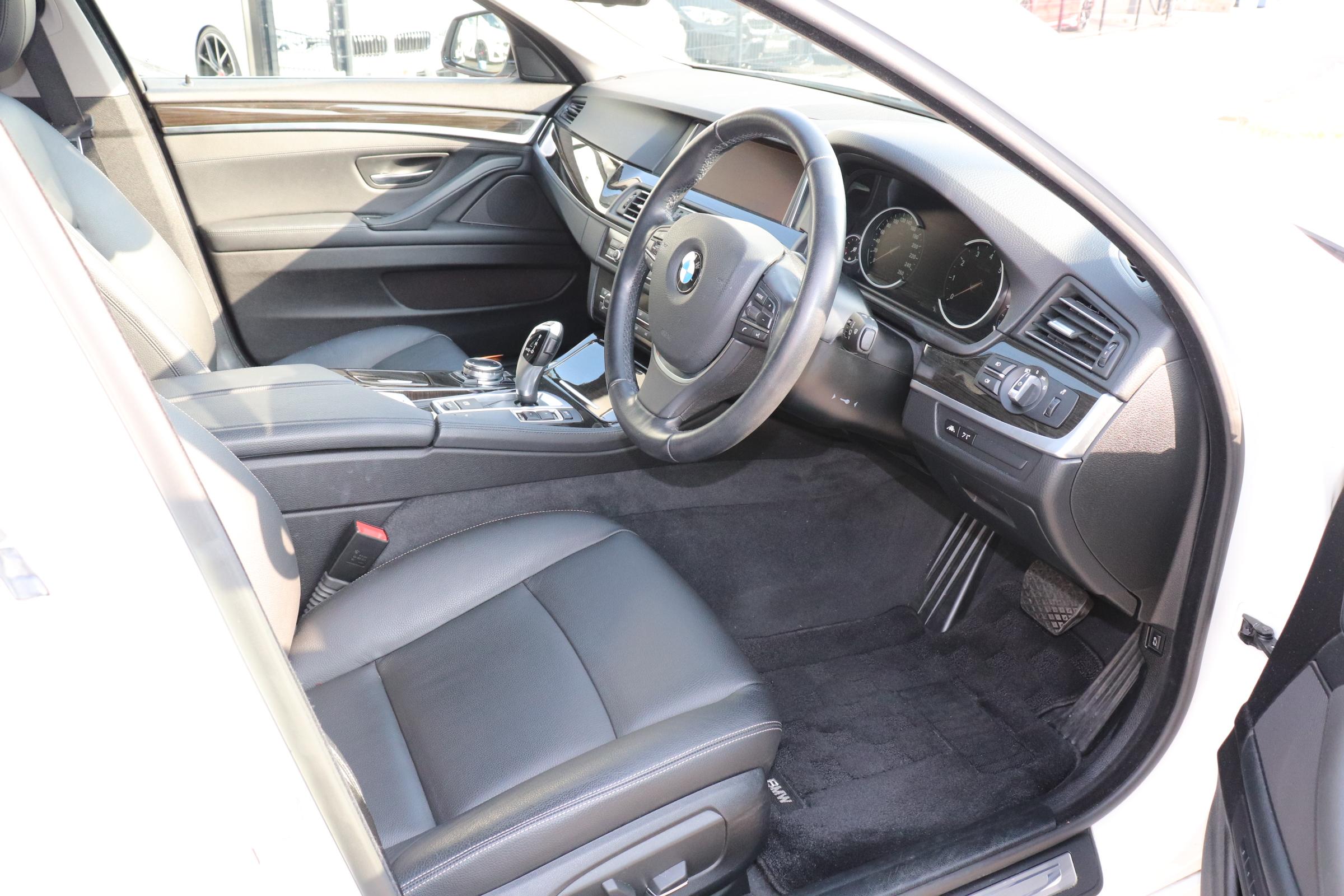 528iツーリング ラグジュアリー BEAMコンプリートカーLEDメーター&LEDライト ブラックAW車両画像11