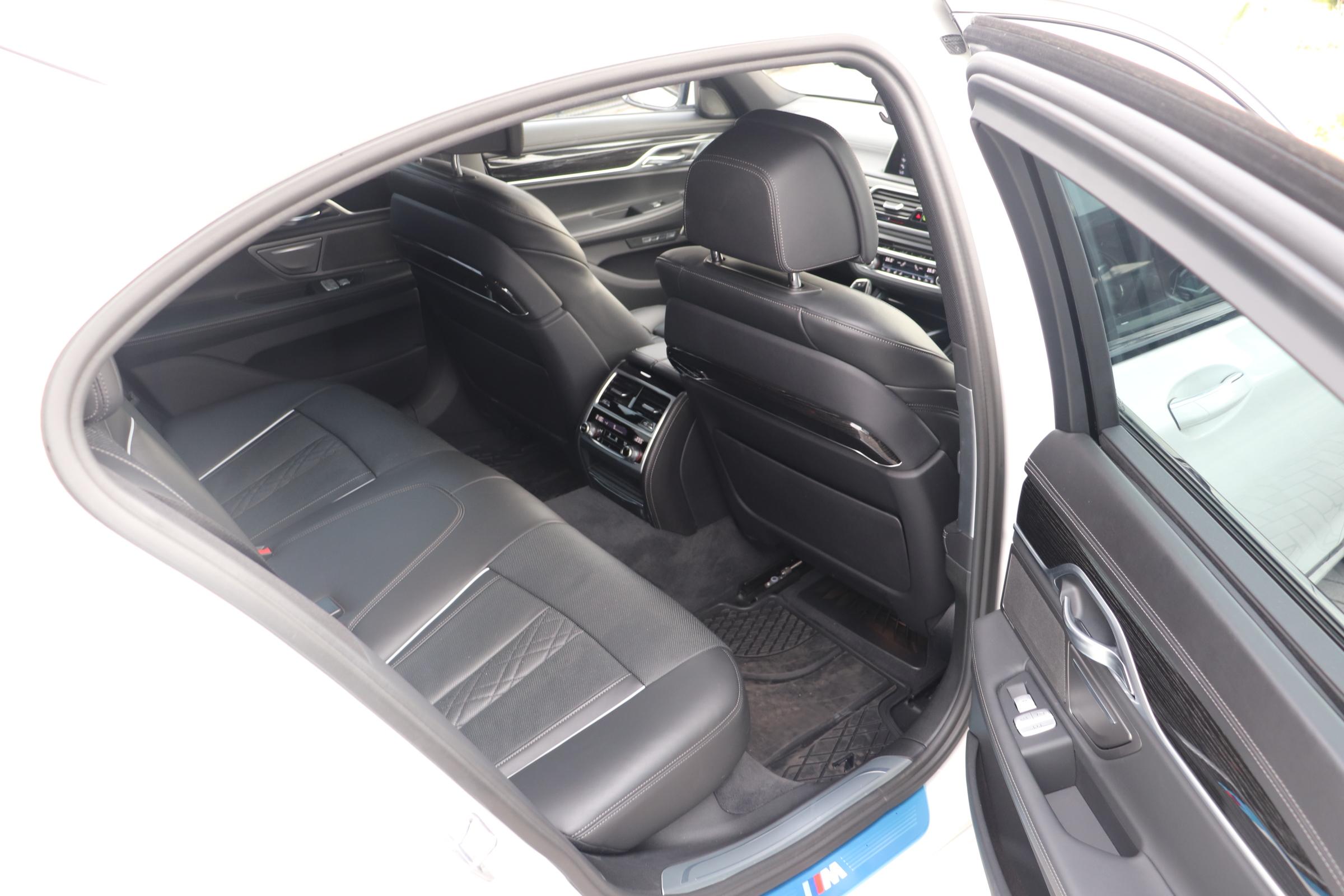 750i Mスポーツ サンルーフ レーザーライト HUD リモートP メーカー保証車両画像11