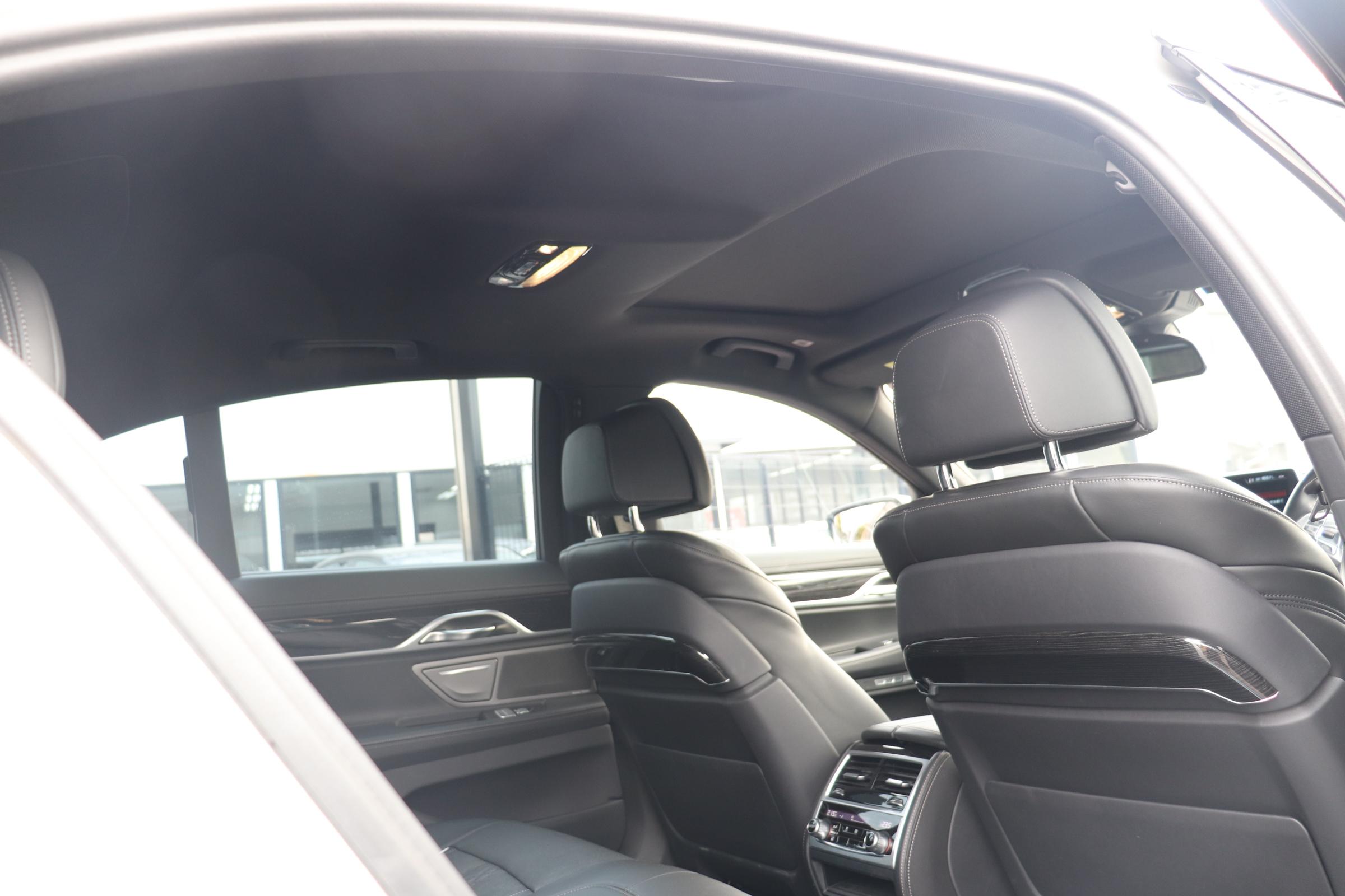 750i Mスポーツ サンルーフ レーザーライト HUD リモートP メーカー保証車両画像12