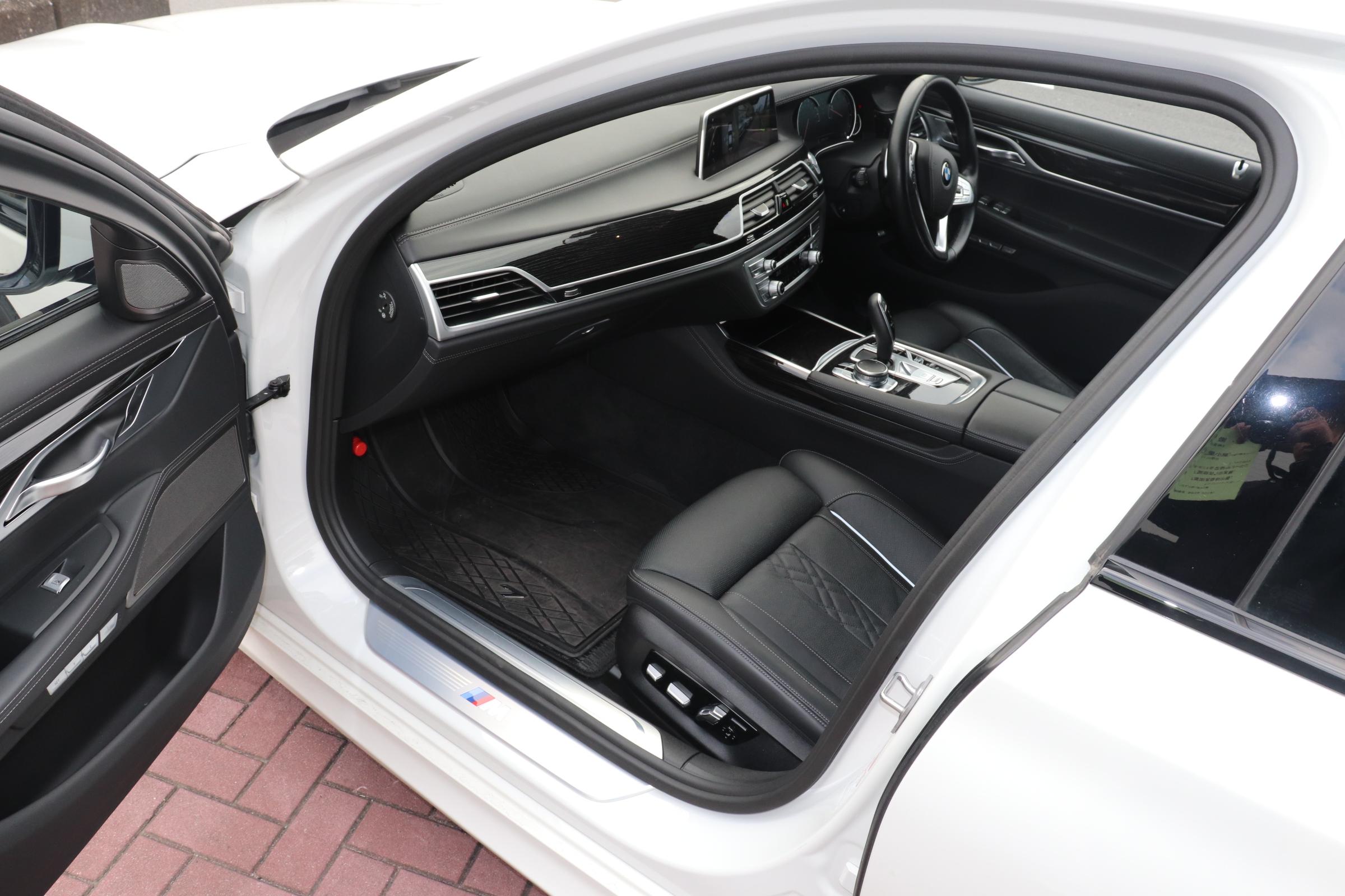 750i Mスポーツ サンルーフ レーザーライト HUD リモートP メーカー保証車両画像13