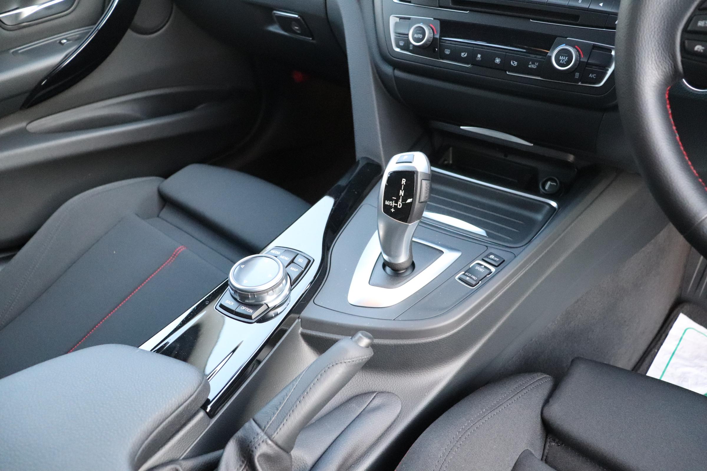 320d ツーリング スポーツ ヘッドアップディスプレイ アクティブクルーズコントロール車両画像10
