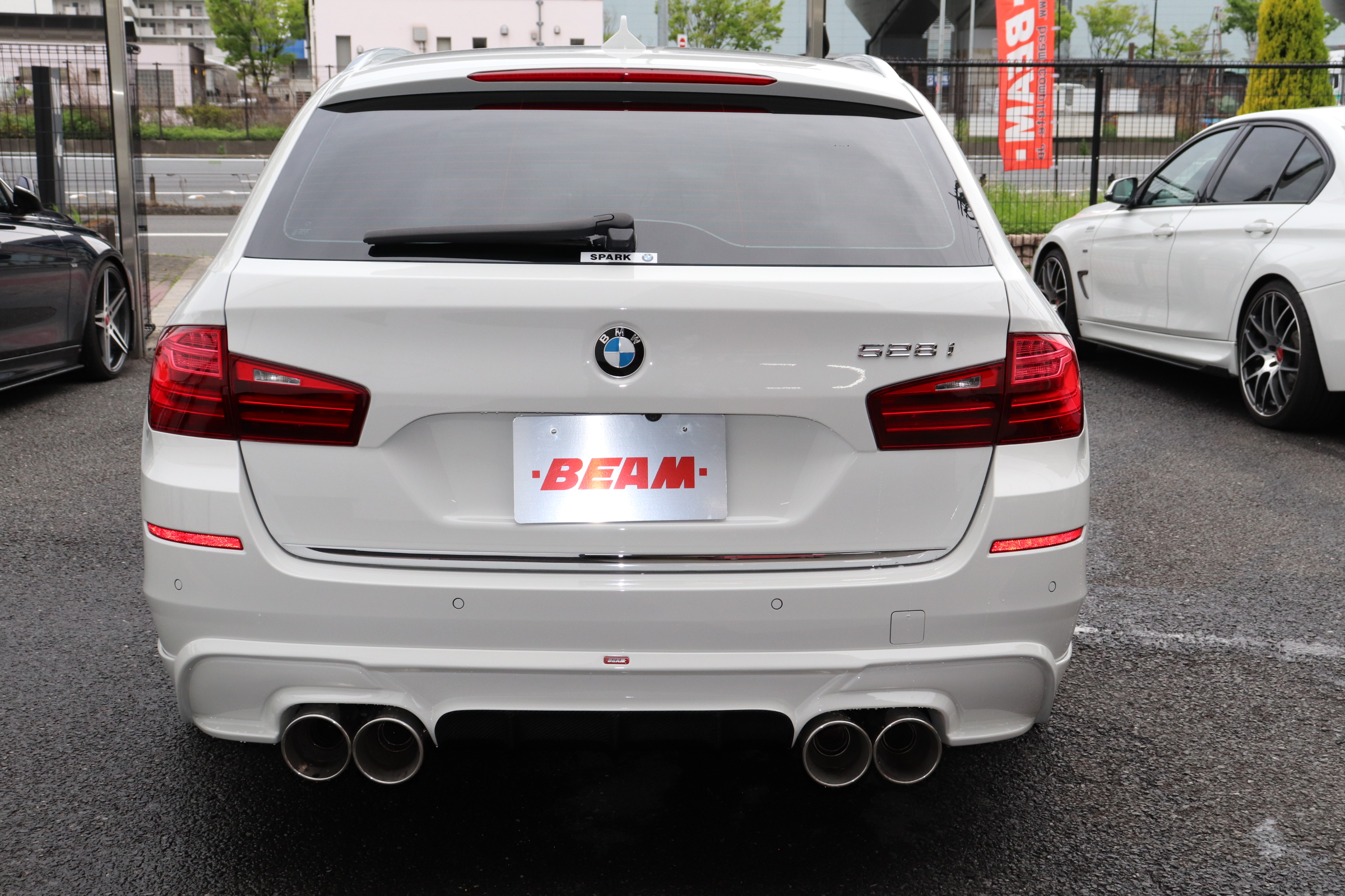 528iツーリング ラグジュアリー BEAMコンプリートカーLEDメーター&LEDライト ブラックAW車両画像06