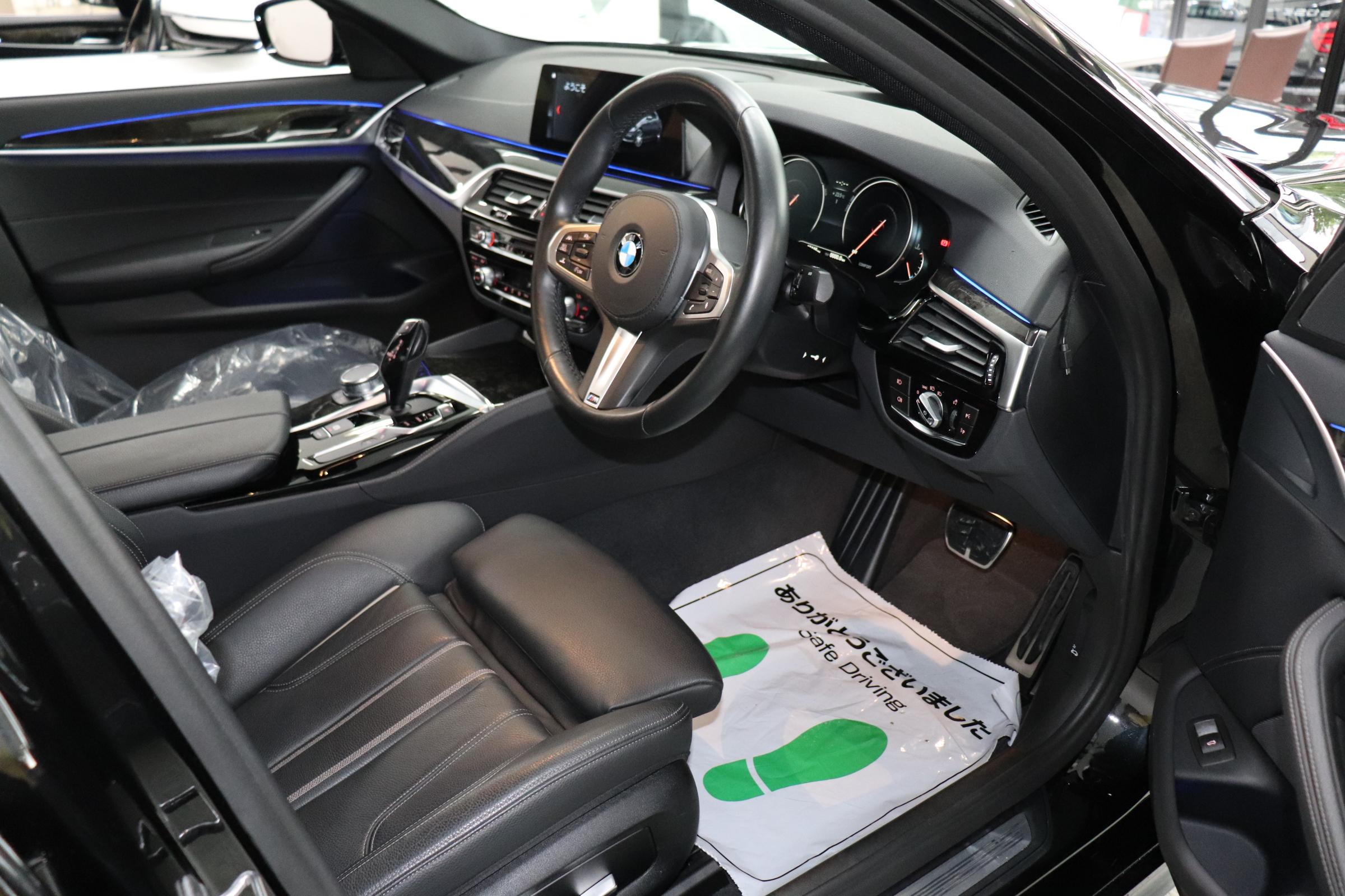 530i Mスポーツ ブラックレザー ヘッドアップディスプレイ ワイヤレス充電車両画像11