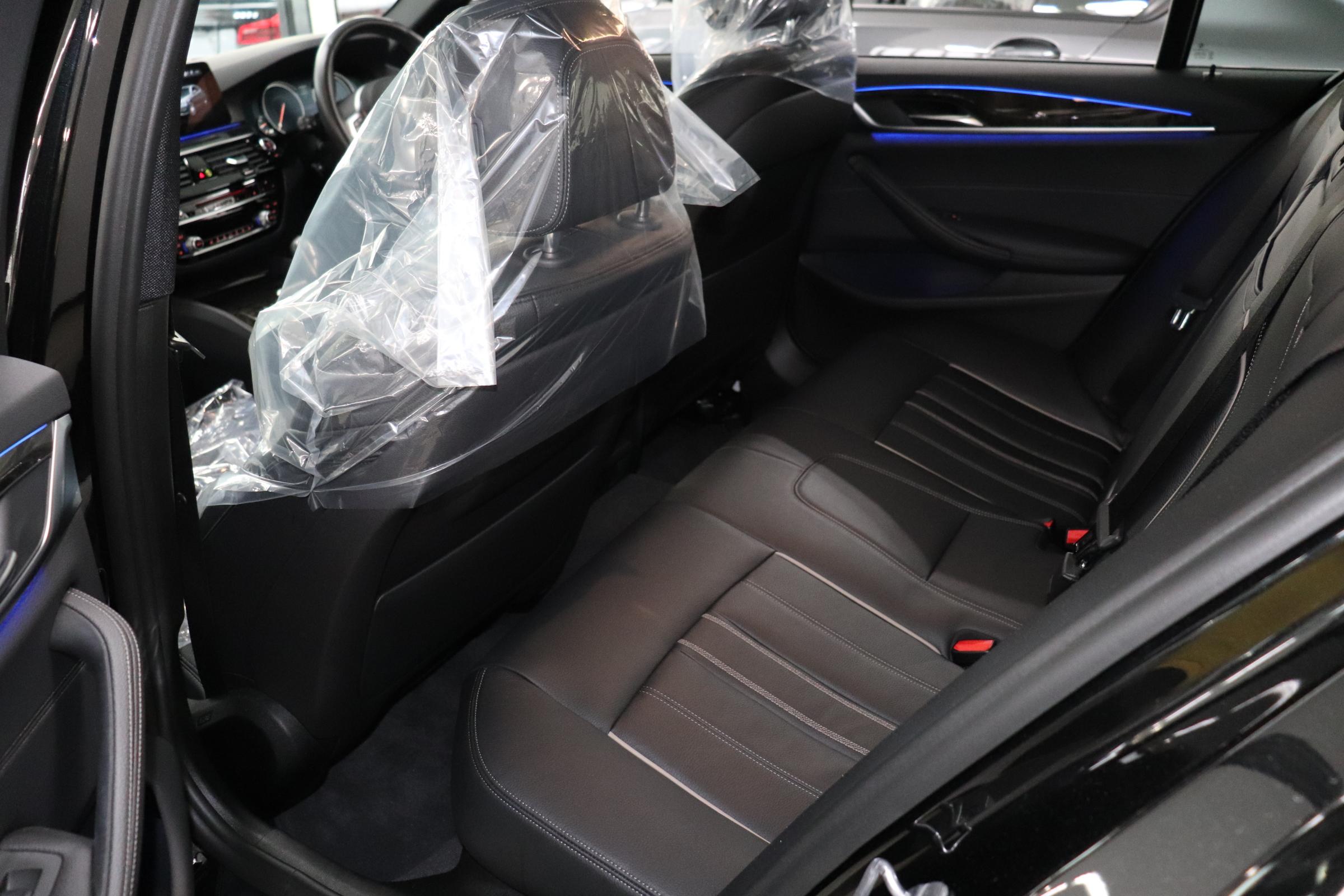 530i Mスポーツ ブラックレザー ヘッドアップディスプレイ ワイヤレス充電車両画像14