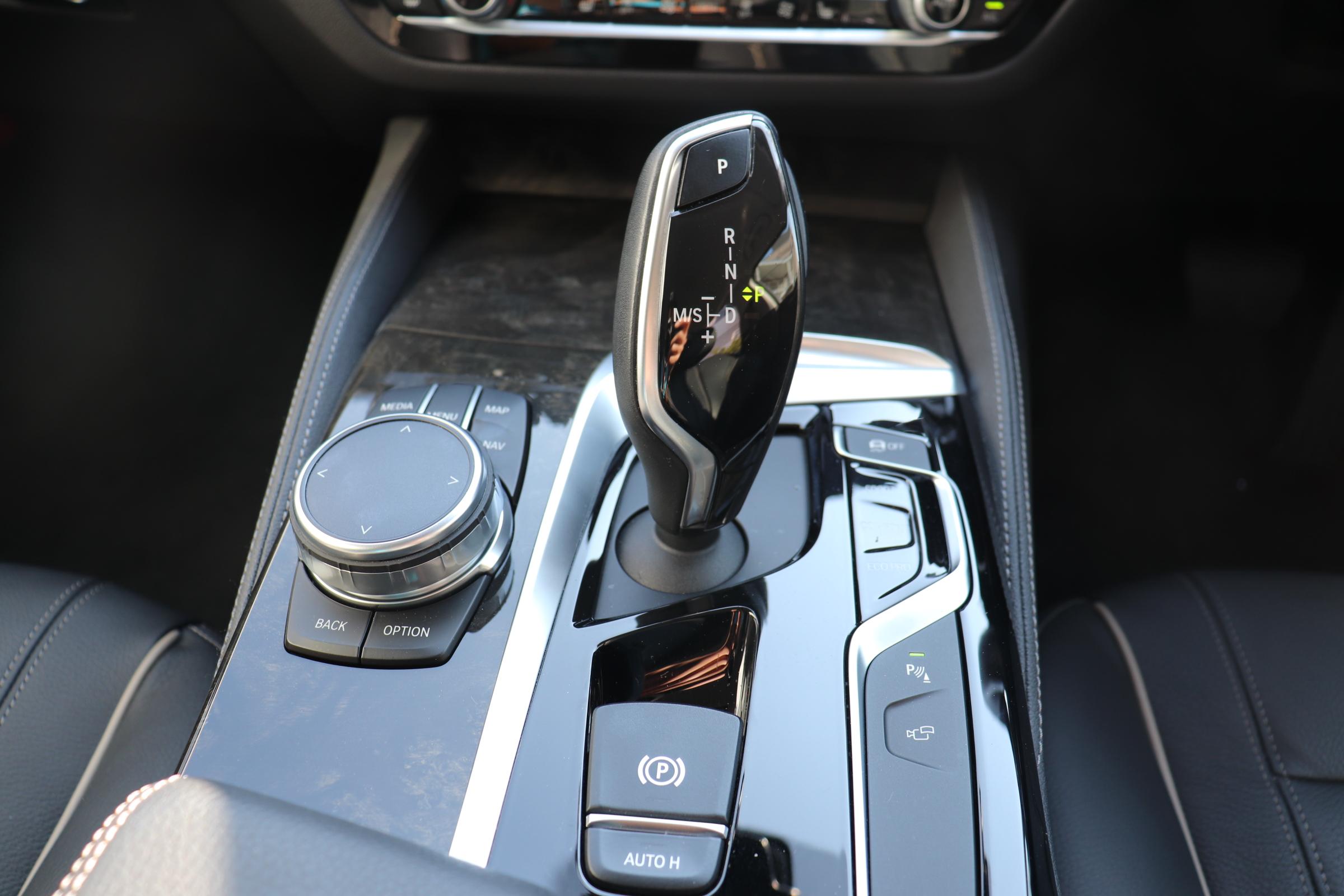 523dツーリング ラグジュアリー BEAMコンプリートカー 黒革 HUD ワンオーナー車両画像10
