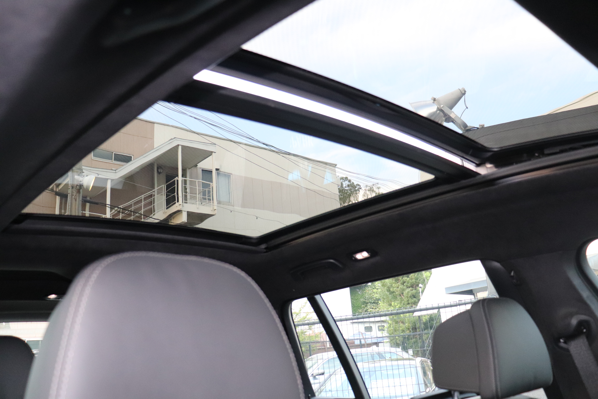 X7 xDrive35d Mスポーツ ウェルネスP スカイラウンジSR リアエンタメ車両画像15