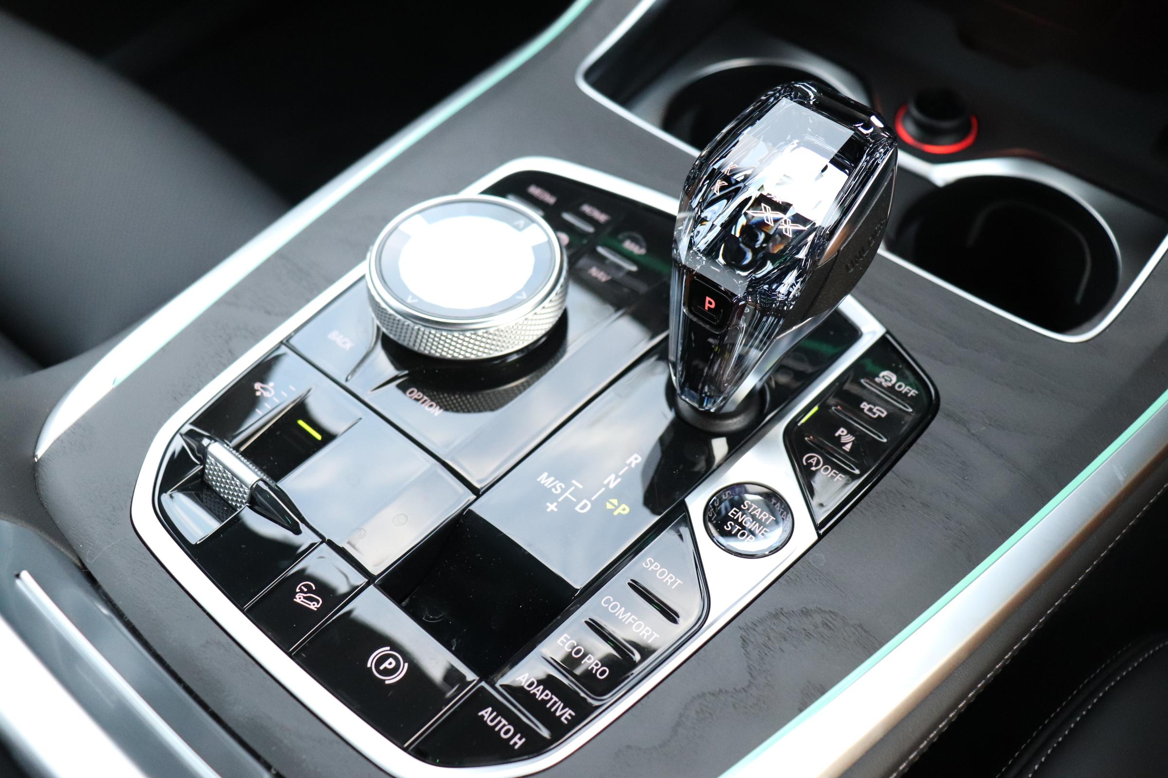 X7 xDrive35d Mスポーツ ウェルネスP スカイラウンジSR リアエンタメ車両画像14
