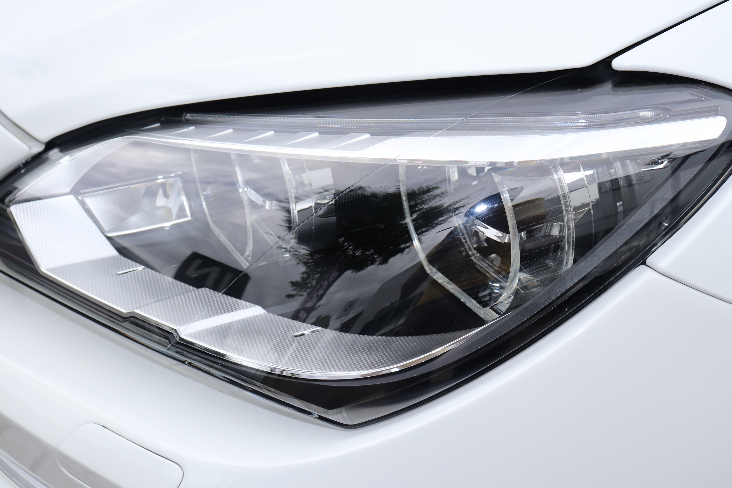640i BEAMコンプリートカー LEDヘッドライト ブラックレザーシート サンルーフ車両画像10