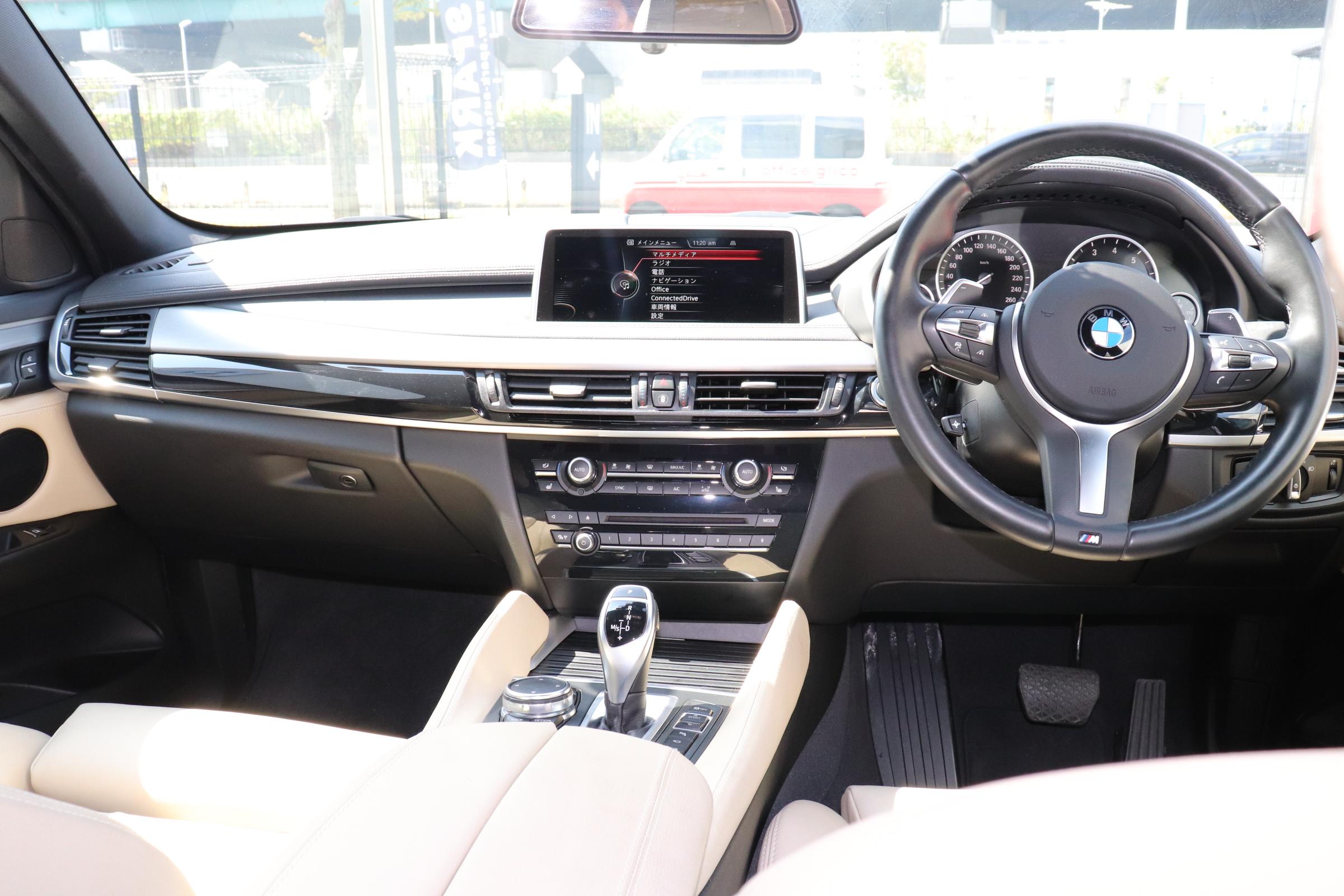 X6 xDrive35i Mスポーツ サンルーフ ヘッドアップディスプレイ パワーバックドア車両画像14